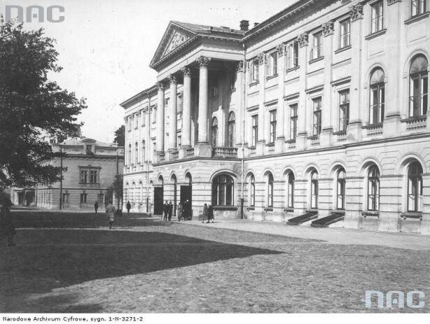 Pałac Kazimierzowski w 1925 roku Koncern Ilustrowany Kurier Codzienny - Archiwum Ilustracji / NAC