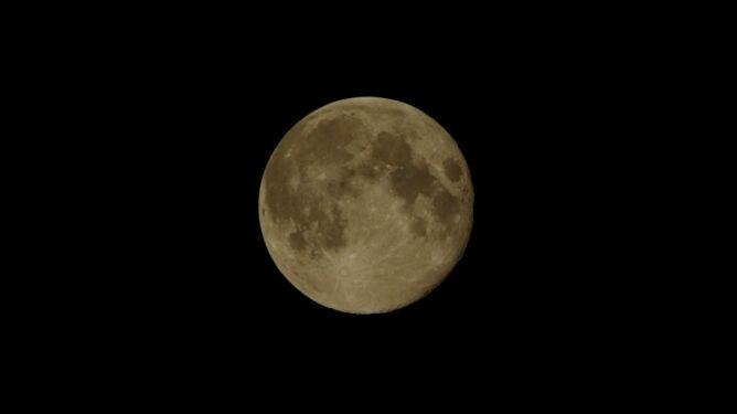 Niezwykła noc Pełni Żniwiarzy i Pełni Mikroksiężyca