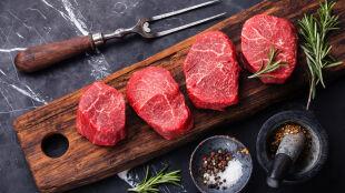 """""""WHO się zagalopowało"""". Czerwone mięso jednak nie jest takie złe?"""