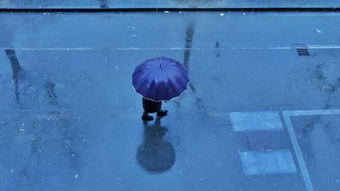 Prognoza pogody na dziś: deszcz i śnieg. Parasole obowiązkowe