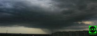 W Polsce nadal jest burzowo. Pada, wieje z prędkością 60 km/h
