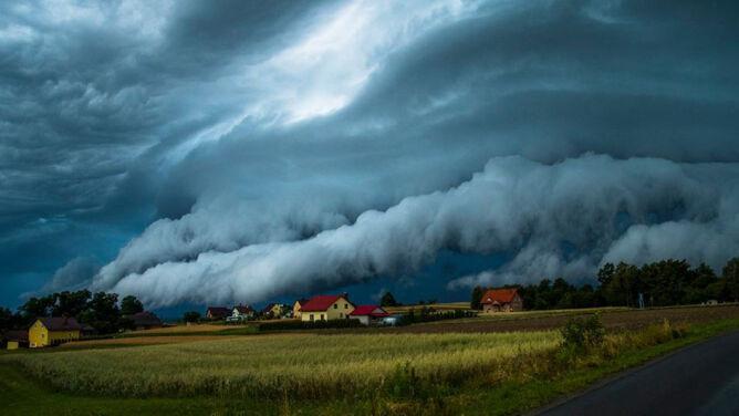 """""""Czułem strach"""". Potężna chmura szelfowa zawisła nad Podkarpaciem"""