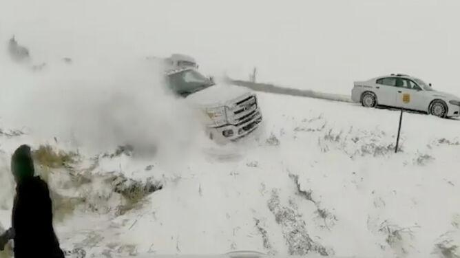 Chaos w USA i Kanadzie. <br />Groźne burze śnieżne