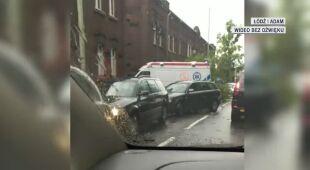 Drzewo spadło na samochód w Łodzi